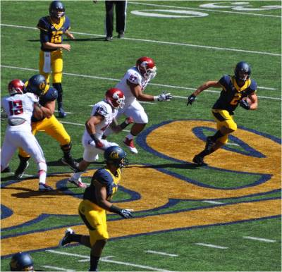 Cal v. WSU -- HB Daniel Lasco Sweeps Left