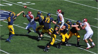 Cal v. WSU -- QB Jared Goff Beats the Pass Rush