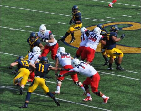 DL Kyle Kragen #13 Closes in on Arizona's QB