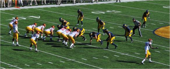 Cal v USC Bears on Defense
